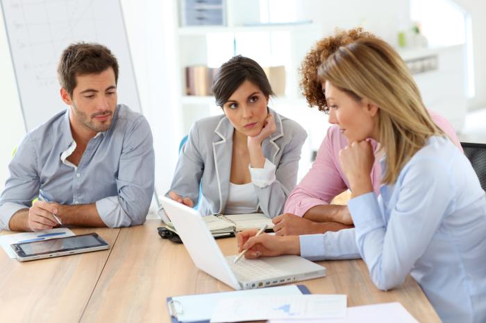 Vei putea sa lucrezi prin colaborare cu Centre de dezvoltare profesionala