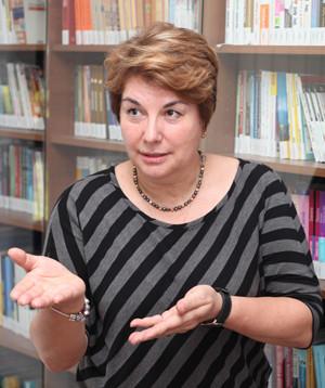 Trainer Slavita Carmazan